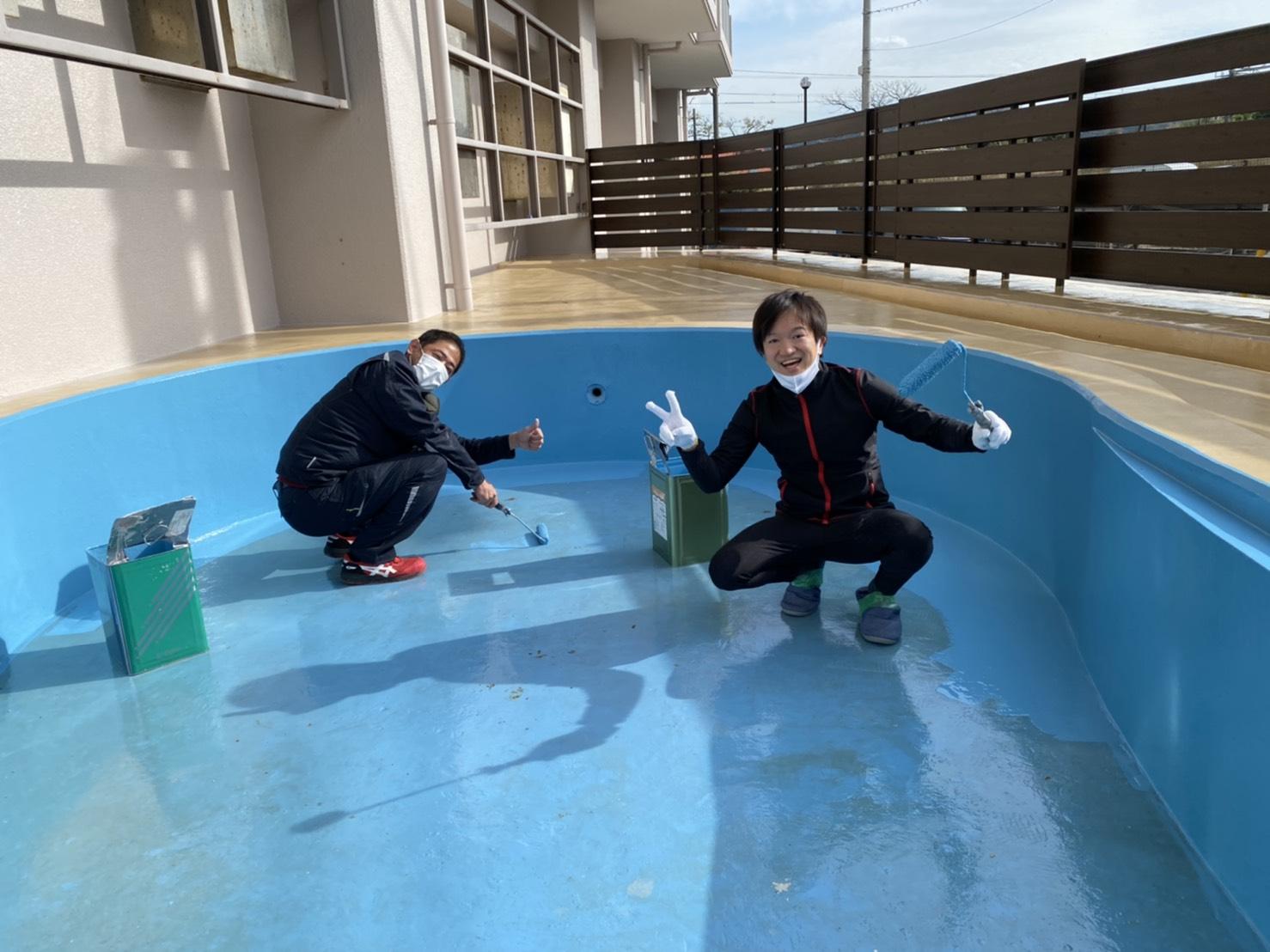 トネクションのテニスコート プール塗装工事